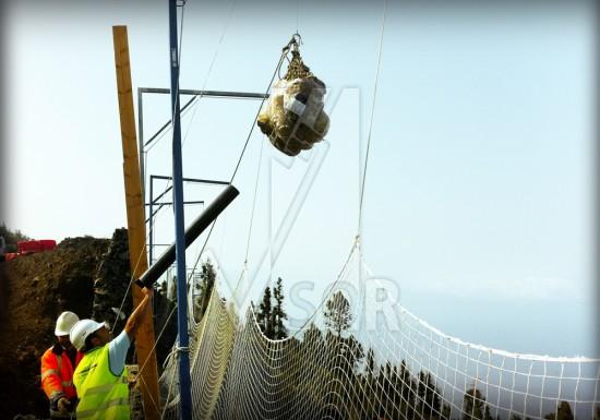 Visor-Redes-de.Seguridad-Tramo-Carretera-Tajuya-Canarias-procedimiento-instalacion-redes-tipo-V-al-muro-pruebas-de-carga