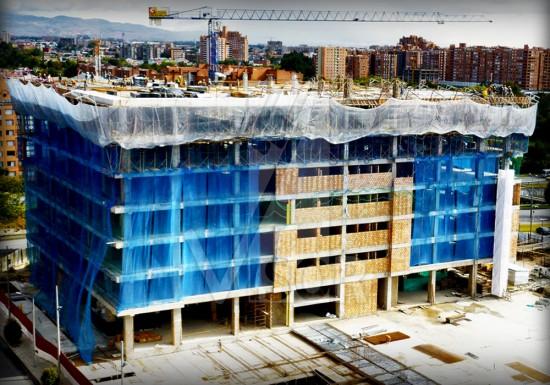 Visor-redes-de-seguridad-Edificio-Oficinas-Bavaria-Bogota-Colombia-Sistema-redes-tipo-V